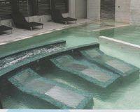 idromassaggio in piscina